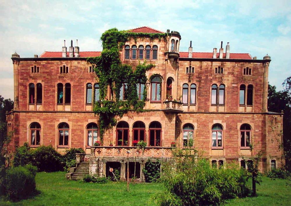 Schloss Neu Barenaue DiVa Walk